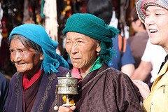 Tibetans around the Jokhang by 10b travelling