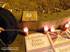 Concentración de apoyo al Tíbet - Madrid 8/2/2012 by Carlos J. de Pedro