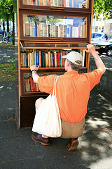 Public Bookcase by noluck