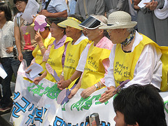 Seoul: Comfort Women Protest by bittermelon