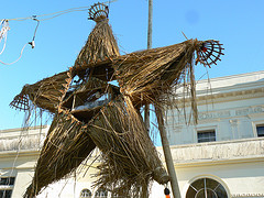 Ilocos Norte Parol Making Contest 2009 (43) by Constantine Agustin