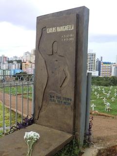 o túmulo de Carlos Marighella