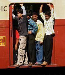 ムンバイの満員電車