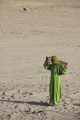 Niña en el Sinaí by festeban