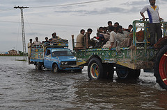 Communities attempt to flee the flooding, Sindh, Pakistan by Oxfam International